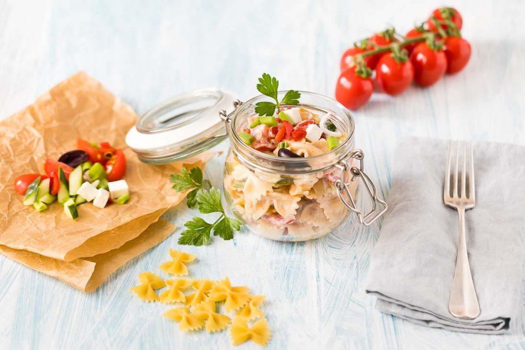 griechischer Nudelsalat mit Schafskäse casual cooking österreichischer food blog